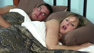 Jodie West Relieves Her Stepson's Insomnia