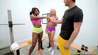 Ebony babe Skyler Nicole rides a dick like there is no tomorrow