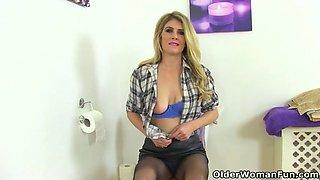 english milf tanya cox gets naughty on toilet