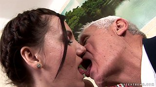 Nasty brunette chick Dia  gets pussy licking from horny grandpa