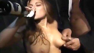 un voyeur abuse d'une fille saoule (salieri, italian lubric)