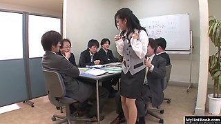 Satomi Suzuki has only been working at this office for a couple days